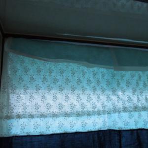 北側のキッチン 結露対策 寒さ対策 2重カーテンの素材を変更。