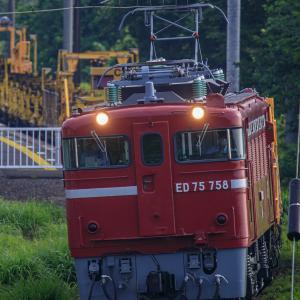 はじめての赤い機関車