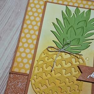 パイナップルのカード。