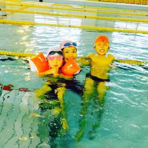 学校水泳中止…水が苦手な子ほど「ピンチ」な理由