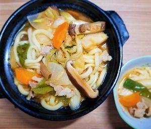 花のズボラ飯再現レシピ。全部入れうどんは風邪によい食材で出来ていると思う。