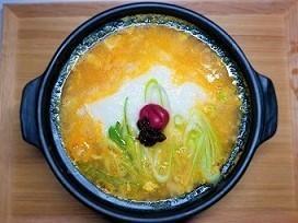 喉風邪をひいて喉が痛い時に。長芋と人参のお粥の作り方。