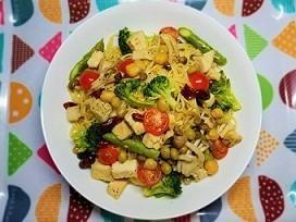 筋肉痛改善レシピ!サラダチキンと豆のコンソメペペロンチーノの作り方。