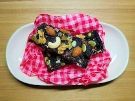 失恋ショコラティエのチョコバーもどきレシピ。チョコが固まった時の対処法。