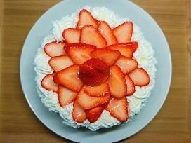 ヨーグルトでレアチーズムースケーキの作り方。