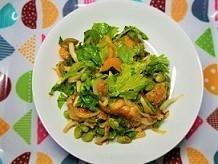 むくみ改善メニュー。セロリの葉っぱと鶏肉炒めの作り方。頭皮がぶよぶよになった時のお話です。