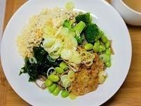 【腸活】【便秘解消】ワカメと納豆と野菜のたぬきそばの作り方。
