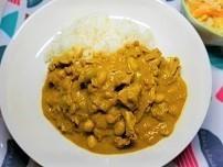 お豆と豚肉の豆乳スパイスカレーの作り方。