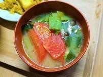【ストレス対策レシピ】セロリとトマトの具沢山味噌汁の作り方。ご挨拶に行ってきました。