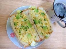 【野菜がたっぷり摂れる】玉子サンドの作り方。