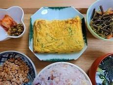 シソ入り塩麴玉子焼きの作り方。