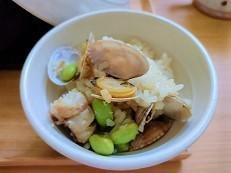 【何もしたくない時のご飯】冷凍食材を使ってパエリア風炊き込みご飯の作り方。