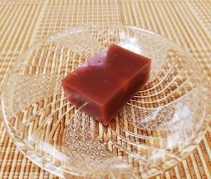 レンジで簡単!夏バテ防止!梅干し入り水ようかんの作り方。寒天が固まらない理由と対処法。