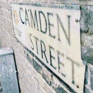 パンクロックと共に世の中に絶望したりする若者でしたので、ロンドンに行ってみるなどしました。