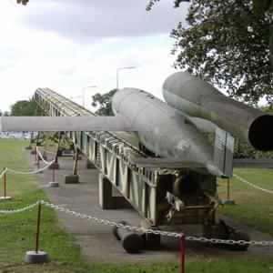 """ナチスドイツのV1ミサイルと、特殊攻撃機""""梅花""""はよく似てるやん!の巻"""