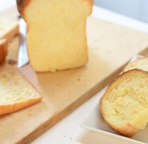 ホームベーカリー食パンをふわふわ甘い仕上がりに!卵入りレシピ