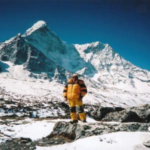 エベレストで使い捨てプラスチック禁止