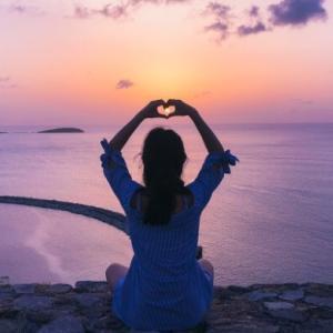 【心に笑顔】オンラインヨガMELON(メロン)でマインドフルネス瞑想した感想と口コミ