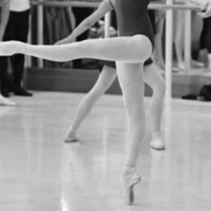 バレエシューズで踊る時/トウシューズで踊る時②