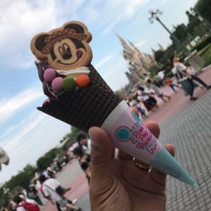 ランドでソフトクリーム&チョコレートをたべてみました☆