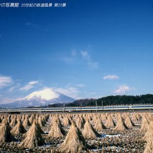 第23景 583系「はつかり」と冬晴れの岩手山