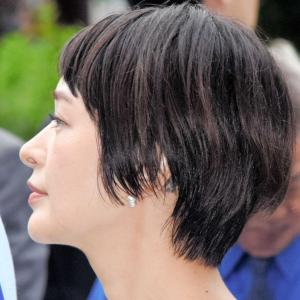 市井紗耶香、芸能活動を再開・政界再挑戦、タトゥーの理由初激白「2015年に亡くなった私の母を思って彫りました」