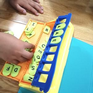 未来型の知育玩具★英単語作成キットのレターズで遊んでみた