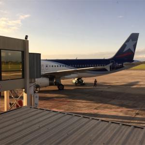 【🇦🇷アルゼンチン】無名の飛行機にチャレンジだ!Alice's移動の仕方〜サルタからイグアス空港・飛行機編〜LATAM airに乗ってみたよ