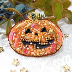 ハロウィンのかぼちゃのお化け ブローチ