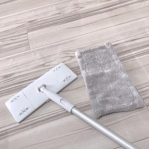 床の拭き掃除でスッキリピカピカ☆