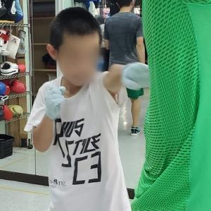 凄い小学生ボクサー