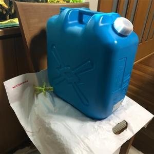 大型水槽の水替えにはポリタンク&電動灯油ポンプが最適!