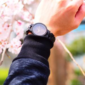 軽くて優しい木製腕時計