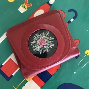 花刺繍のお財布