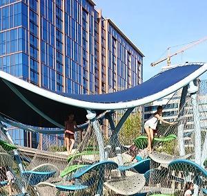 ハワイのアラモアナセンターにリサイクルショップがオープンしていました(#^.^#)