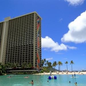 ハワイのヒルトンに体験型4DFXシアターができたそうですよ(#^.^#)