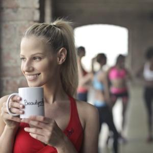 コーヒーは前に、プロテインは後に飲む。筋トレ×コーヒーは効果抜群
