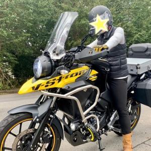 バイクと銀杏