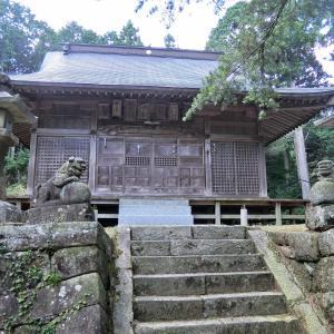白山神社 その2 (豊田市立岩町クロクゴ)