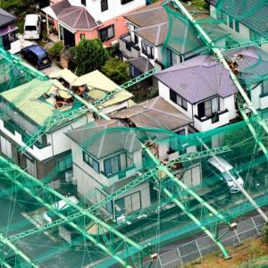 【台風速報】ゴルフ練習場の柱が倒れ民家が真っ二つに。1人重傷。強風の千葉★4