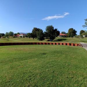 青い空、いかにも南国のゴルフだが…スコアはいけません