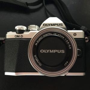 ミラーレス一眼 OLYMPUS『OM-D E-M10 Mark Ⅱ』購入しました。