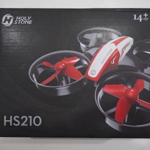 おすすめトイドローン HS210 子供でも簡単に飛ばせます