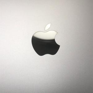 MacBookにガラスコーティングを施しました!