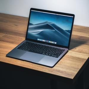 【悲報】12インチMacBookが姿を消し、MacBook AirとMacBook Proのみアップデート