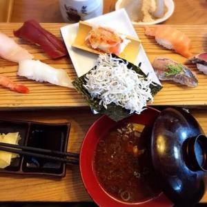 珍しい寿司ネタが食べられる10貫ど迫力ランチ!ネタ大きくて安い!