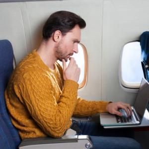 飛行機の予約・比較・比較予約サイトの違いとお得な航空券取得のための使い分け方