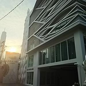 バンコクのホテル Anajak Bangkok Hotel(アナジャクバンコクホテル)
