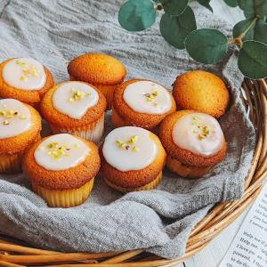 マフィン型で簡単。ふわふわプチレモンケーキのレシピ