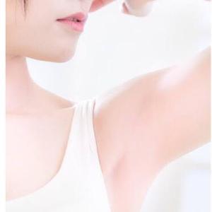 【看護師監修】臭い脇の原因と対処法は?誰にでも臭くなる可能性あり
